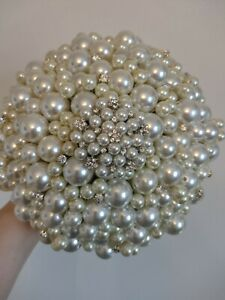 Beautiful Wedding Bouquet...Large Pearl and Brooch Bouquet.Vintage Style Bouquet