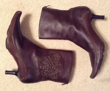 EUC! Womens Indigo By Clarks Brown Leather Zip Up Ankle Boots Sz 8M