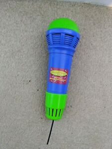 Making Noise Echo microphone toy