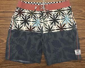 "VANS Off The Wall Shorts Mens 33"" X 7.5"" Board Shorts Tropical Print EUC"