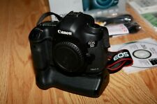 Canon EOS 5D Mark III 22.3MP  (Body Only) with CANON BG-11 Battery Grip