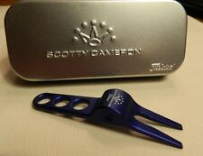 NEW Titleist Scotty Cameron Blue Divot Pivot Repair Tool and Aluminum Tin