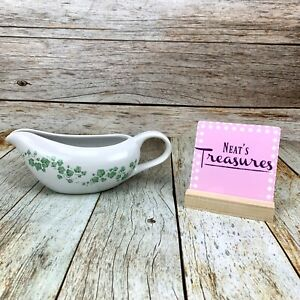 GREEN IVY & VINES Pattern Porcelain Handle Spout Gravy Sauce Boat Dish
