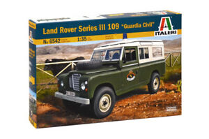 LAND ROVER 109 Guardia Civil Italeri Kit 1:35 IT6542