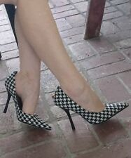 *BLacK WHiTe NEW 10 Tweed Houndstooth Pointy Toe CARRIE Stiletto Heel PUMP GuESS