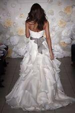 Jim Hjelm Designer Wedding Dress / Size 6-8 / #8962