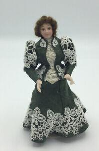 Dolls House Lady In Green Dress - 15 cm