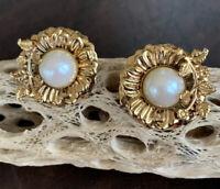 "vintage 1"" Round gold tone Floral Leaf Vine pearl clip on earrings"
