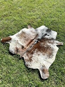 """New Genuine Hair On Tricolor Cowhide Rug Cow skin Area Rug- (43""""x46"""")-A14"""
