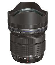 Olympus M.Zuiko Digital V313020BW000 7-14 mm f/2,6–f/3,5 AF Objektiv