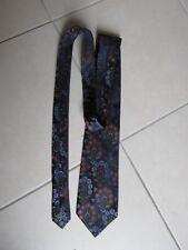 Cravate de la marque Yves saint Laurent