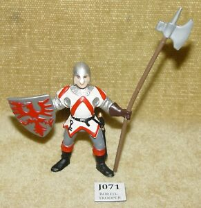 VINTAGE PAPO 2001 KNIGHT PVC FIGURE WITH FALCON SHIELD AND HALBERD / LONG AXE