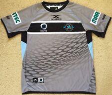 Medium Mens NEW Cronulla Sharks NRL 50 Year Training Top Shirt - Blades - Grey