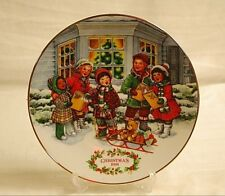 Old Vintage 1991 Avon Christmas Plate w 22K Gold Trim Perfect Harmony