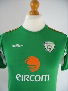 LARGE BOYS IRELAND VINTAGE UMBRO 2004 - 2006 HOME SHIRT