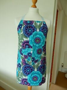 Vintage Handmade 1960/70's Fabulous Flower Apron With Pocket and Ties