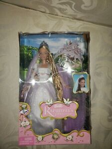 Barbie Rapunzel Doll Rapunzel's Wedding Gown Light Up Crown Accessories Gift Set