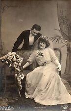 BK452 Carte Photo vintage card RPPC Couple mariage robe mariée fleurs voile