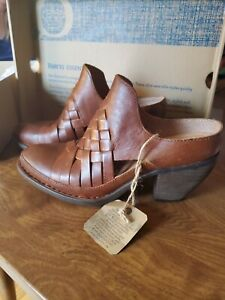 Born Paya Mule Shoes Brown Woven Leather (For Women) M