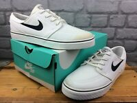 NIKE MENS UK 9 EU 44 SB ZOOM STEFAN JANOSKI WHITE BLACK TRAINERS RRP £60 M