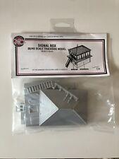 Dapol Signal Box 00 Gauge Plastic Kit - C006