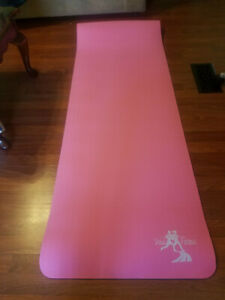 Yoga Mat by Vital Fitness, 24 x 72 x .25 in carrying case