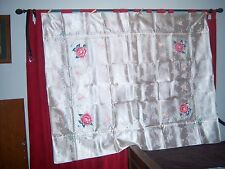 VINTAGE SILK EMBROIDERED FLORAL TABLECLOTH AND 8 NAPKINS