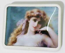 broche carré bijou blanc style vintage camée femme photo sous transparent  24