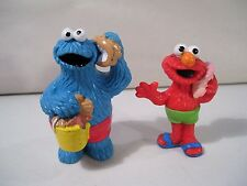 LOT OF 2 SESAME STREET BEACH PVC FIGURES COOKIE MONSTER & ELMO APPLAUSE 1993