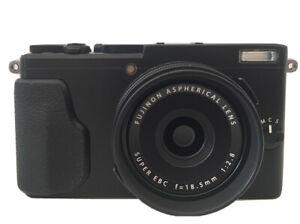 FUJIFULM X70 Digital Camera With Lens Hood {Like New Condition}