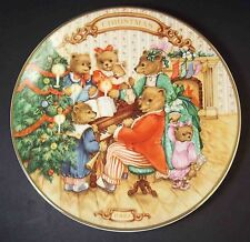 """Avon plate 1989 Together for Christmas Bear Family at Piano 22k gold rim 8"""""""