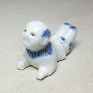 E0353 Japanese real old HIRADO porcelain of brush rest of popular KARAKO statue