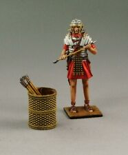 1/30 Roman soldier holding arrow with basket by Country Honor ROME005