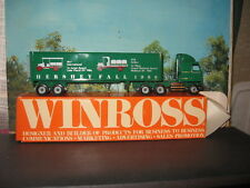 WINROSS 1/64 HERSHEY FALL GREEN 1988 TRACTOR AND TRAILER *