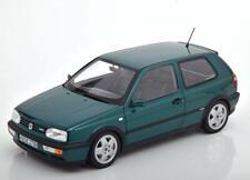 Norev 188437. Coche metálico Volkswagen Golf VR6 Verde de 1996. Escala 1/18