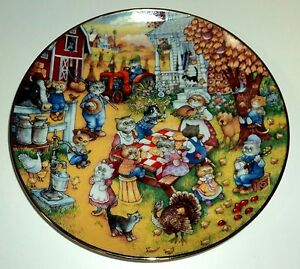 """FRANKLIN MINT Heirloom LE Collectible Plate 8 1/2"""" A PURRFECT FEAST"""