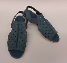 The Flexx Shoes Flats Blue Perforated Peep Toe Cut Out Womens Size 9 / EU 40.5