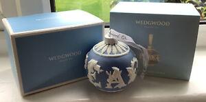 WEDGWOOD 2020 BLUE & WHITE JASPER XMAS CHRISTMAS BAUBLE PEACE REF 1051653 MIB
