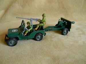 Britains 1/32 1976 diecast WW2 US Jeep & Field Gun set with crew