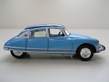 JOHNNY LIGHTNING - CLASSIC GOLD COLLECTION 1963 CITROEN DS COUPE - 1/64 (LOOSE)