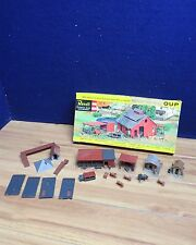 REVELL PLASTICVILLE HO LAYOUT BUILDINGS FARM AND RAIL MH468