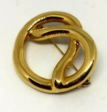 Brooch Broach Pin. Beautiful Gold Tone Metal
