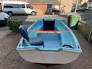 14ft fishing dingy/rowing boat with trailer all ready to go.