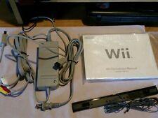 Nintendo Wii Cables, motion bar, and original manuals