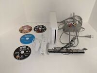 Nintendo Wii Console w/ Games WORKS GREAT!