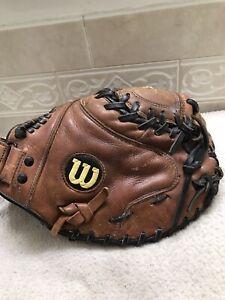 """Wilson A9684 FP8 34"""" Women's Fastpitch Softball Catchers Mitt Right Hand Throw"""