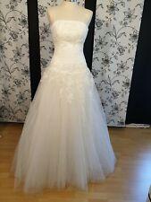 Ein Wunderschönes ,hochwertiges Brautkleid in der Größe 38