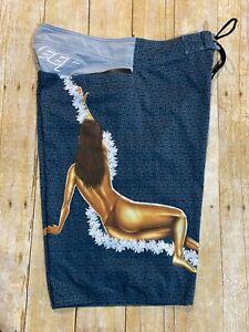 Reef Men's Swim Trunks Board Shorts Size 32 Hawaiian Lei Woman Lady Figure Surf