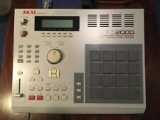 Akai MPC 2000 + Zip drive (iomega zip 100) + Floppy with vintage drum samples