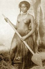 VINTAGE FIJI SAMOA NUDE WOMAN BOAT POLYNESIAN PADDLE HULA GIRL BREASTS PHOTO